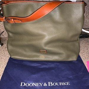 Dooney and Bourke extra large Courtney sac olive